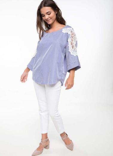 DeFacto Dantel İşleme Detaylı Bluz Beyaz